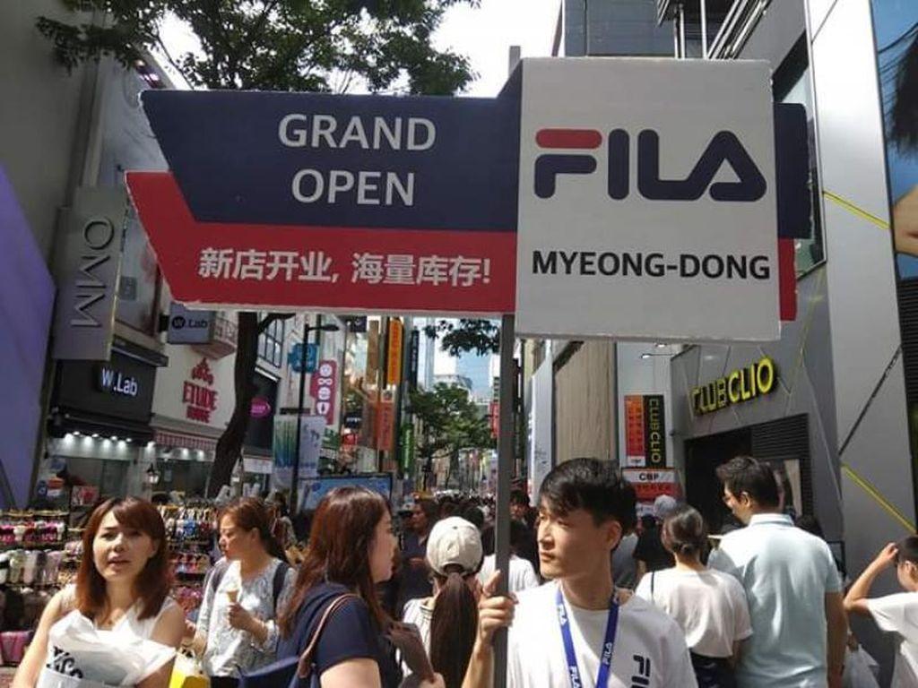 Ramainya Pusat Perbelanjaan di Myeongdong Seoul sebelum Corona