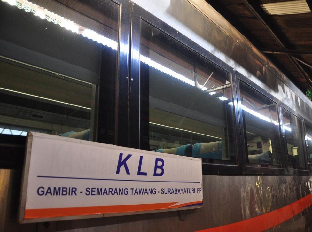 12 Calon Penumpang Kereta Luar Biasa di Semarang Ditolak Izinnya