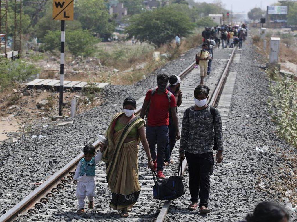 Lockdown Dilonggarkan, India Mulai Izinkan Kereta Beroperasi Terbatas