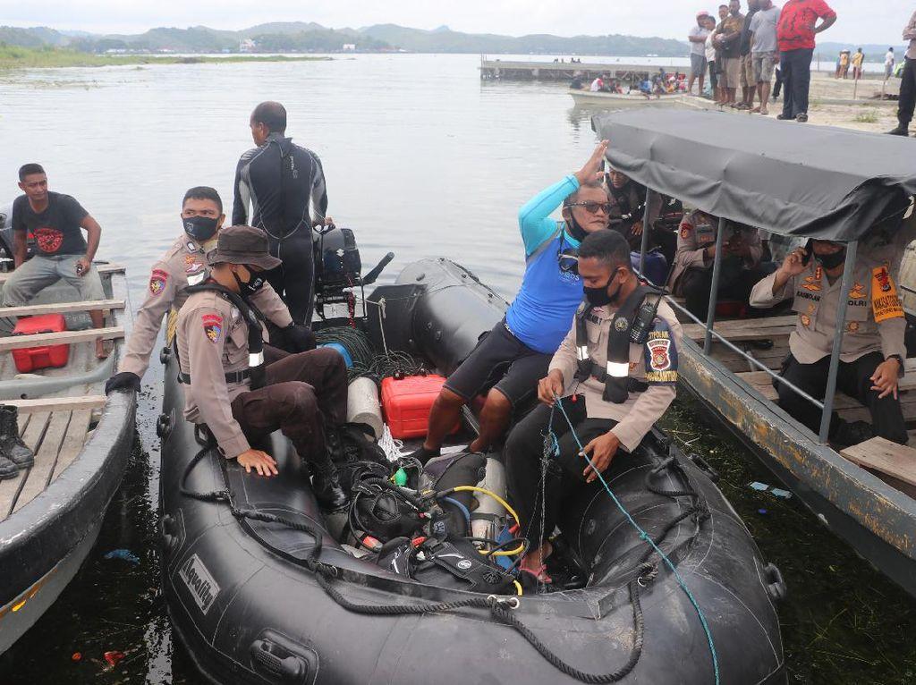 Kronologi Pesawat Jatuh di Danau Sentani hingga Jenazah Pilot Dievakuasi