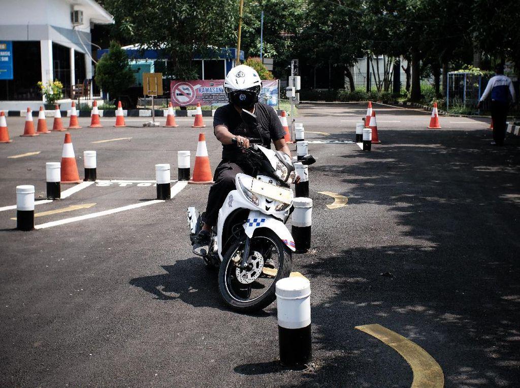 Layanan SIM di Satpas Daan Mogot Turun Drastis