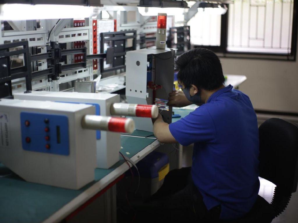 Top! BUMN Mulai Produksi Ventilator dan Alat Tes Corona