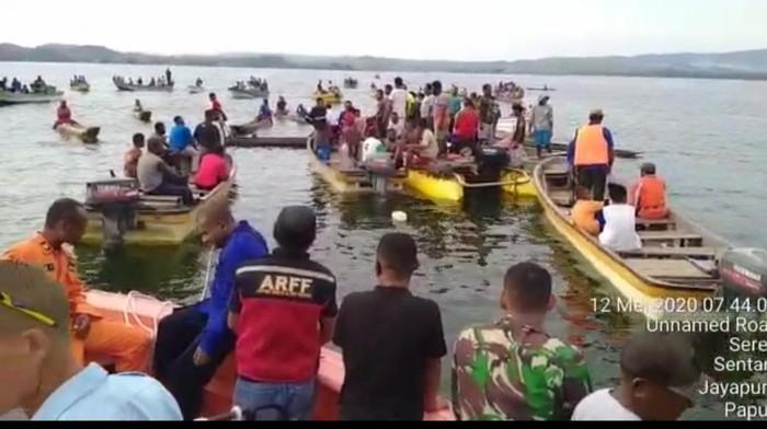 Proses Pencarian Pesawat MAF yang Jatuh di Danau Sentani Papua