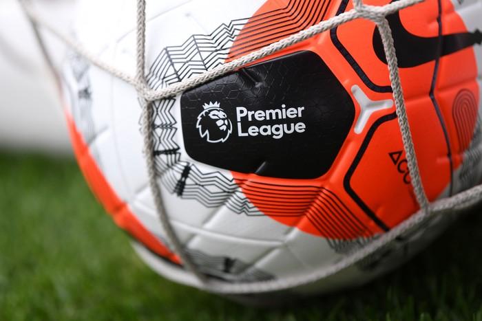 Kabar baik datang dari dunia sepakbola Inggris. Premier League kabarnya akan kembali digelar usai dapat lampu hijau dari pemerintah Britania Raya.
