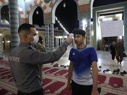 Iran Membuka Masjid Khusus di Malam Lailatul Qadr