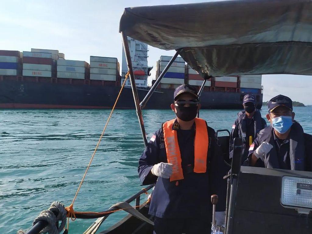 Kemenhub Berhasil Lepaskan 1 Kapal yang Kandas di Perairan Batam