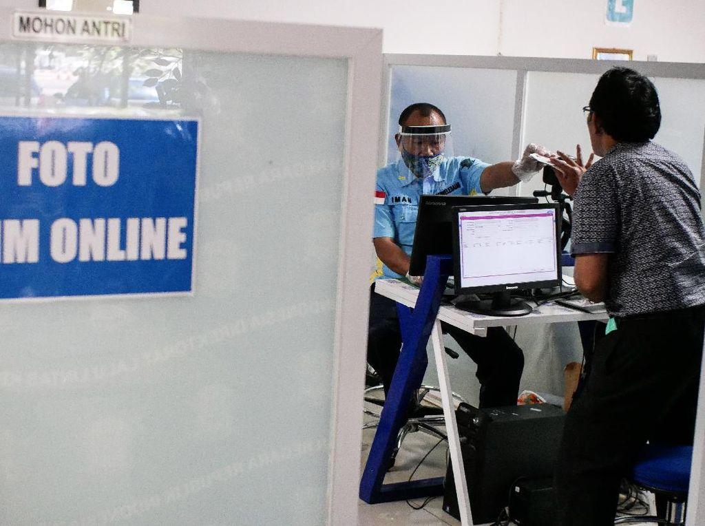 Meski Pelayanan Perpanjang SIM Sudah Dibuka Kembali, Tapi Waktunya Masih Dibatasi