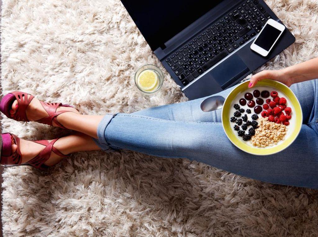Biar Nggak Asal Makan Saat WFH, Ini 3 Tips Atur Pola Makan Sehat