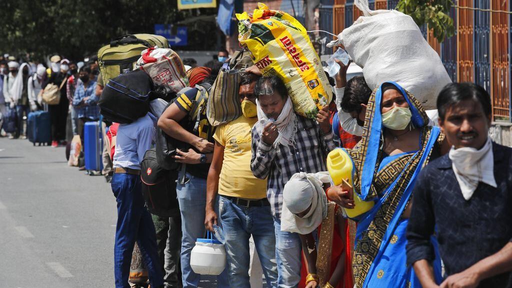 Jaringan Kereta Api India Kembali Dibuka
