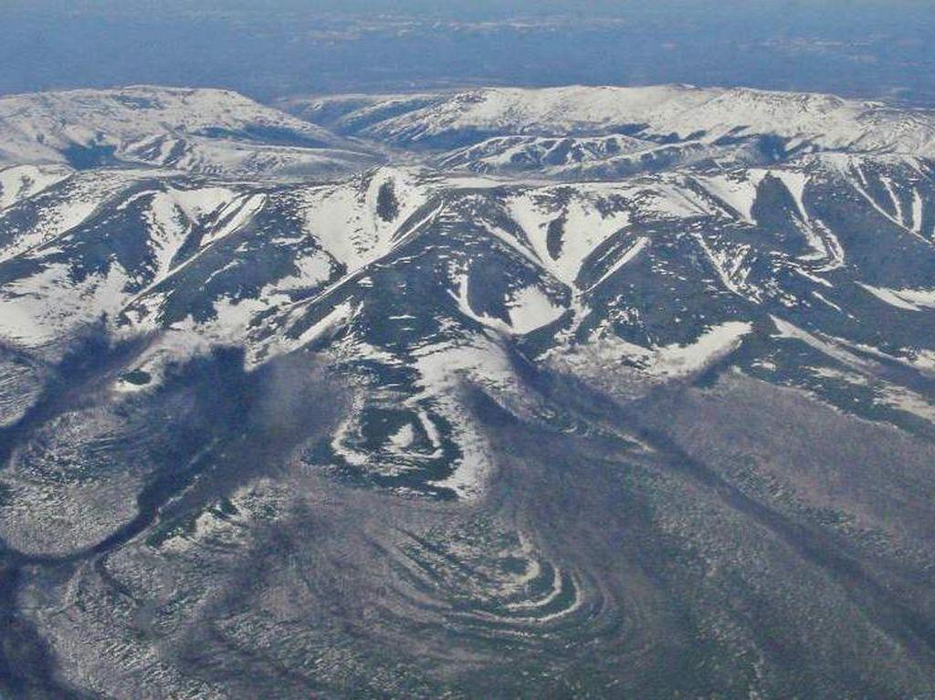 Kawah Misterius di Rusia, Isinya Ribuan Ton Logam Mulia