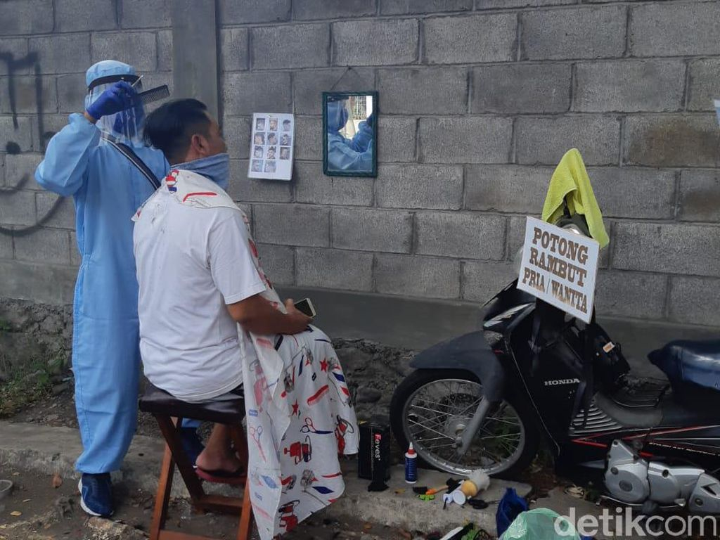 Viral Tukang Cukur Dipukuli Pelanggan di Bandung