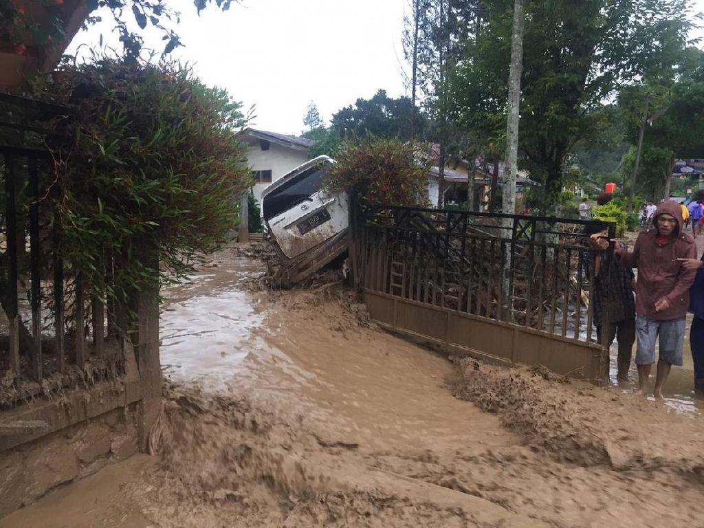 Banjir Bandang Terjang Kebayakan Aceh Tengah, Mobil Hanyut