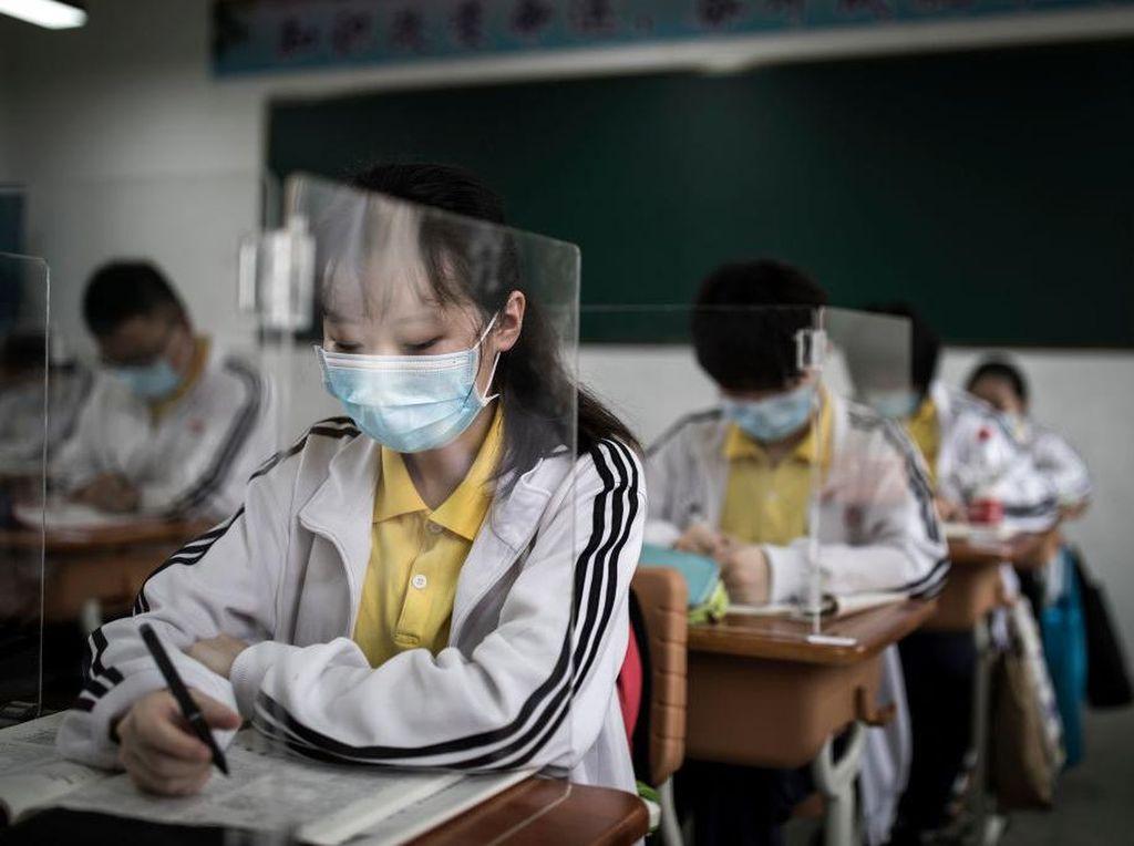 Sekolah di Wuhan Kembali Dibuka