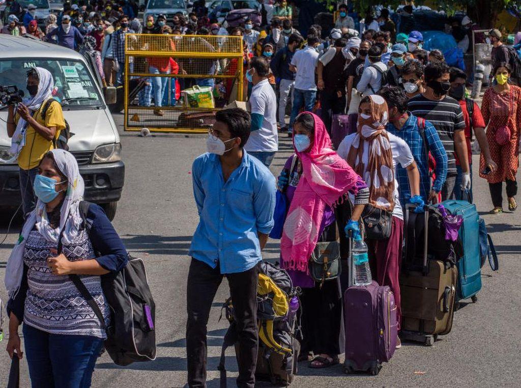 Ribuan Pekerja Migran di India Terpaksa Mudik Akibat Lockdown
