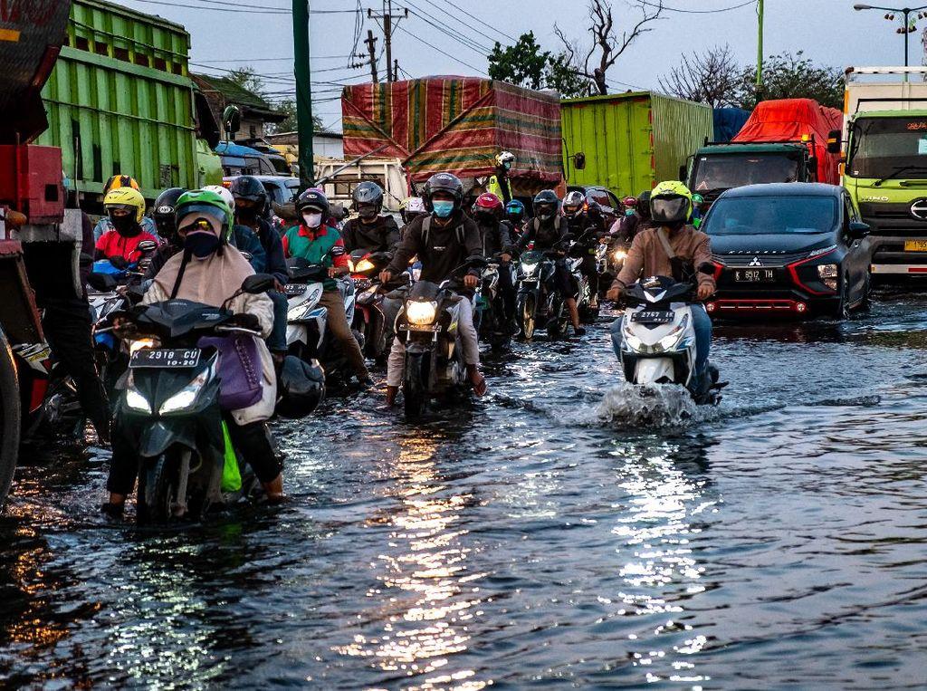 Biar Tahan Air Laut, Mobil Harus Sering Diberi Lapisan Anti Karat