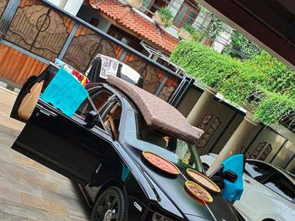 Duh! Rolls Royce Raffi Seharga Rp 15 M Dipakai Jemur Handuk dan Kerupuk