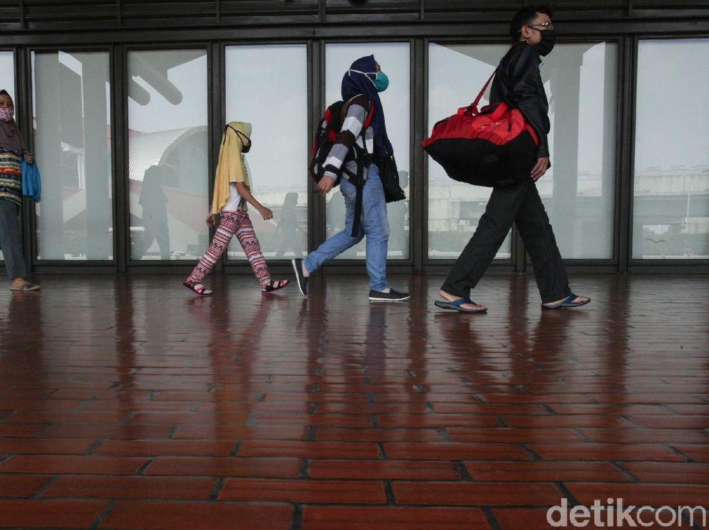 Ramai-ramai Pulang Kampung Via Bandara karena Celah Aturan Menganga
