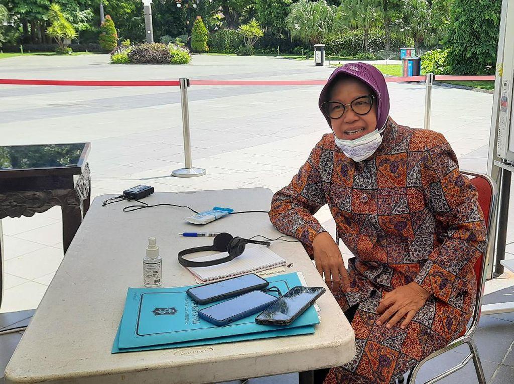 Cerita Risma Beri Semangat Pelajar Surabaya Saat Jenuh Belajar di Rumah