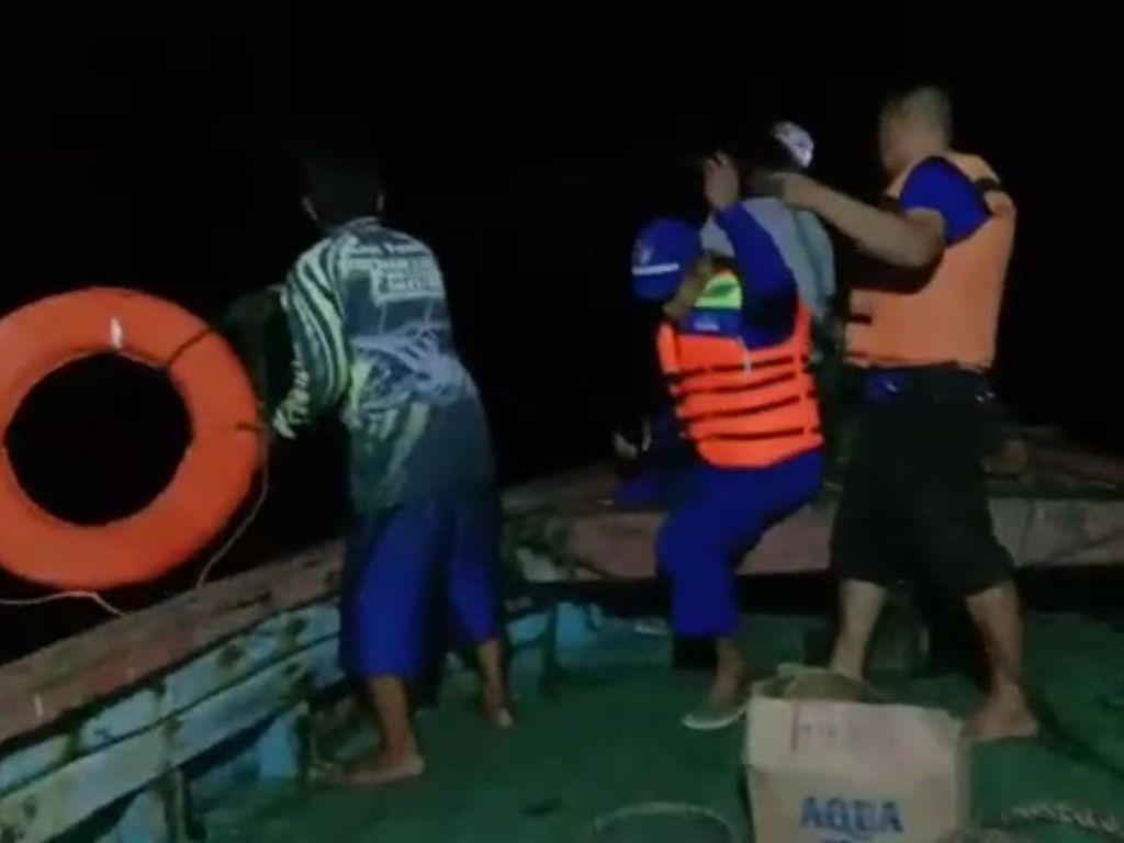 Kapal Terbalik di Laut Pekalongan, 3 ABK Berenang 2 Jam Cari Bantuan