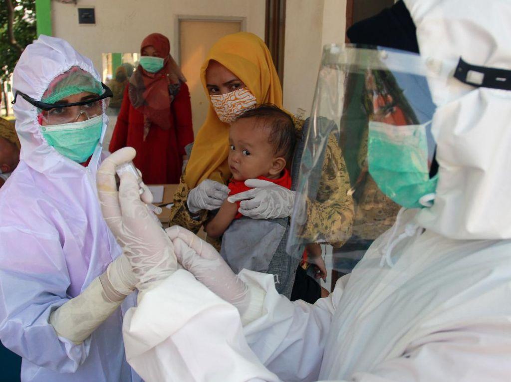 Protokol Kesehatan yang Wajib Dilakukan Saat Bawa Anak Imunisasi