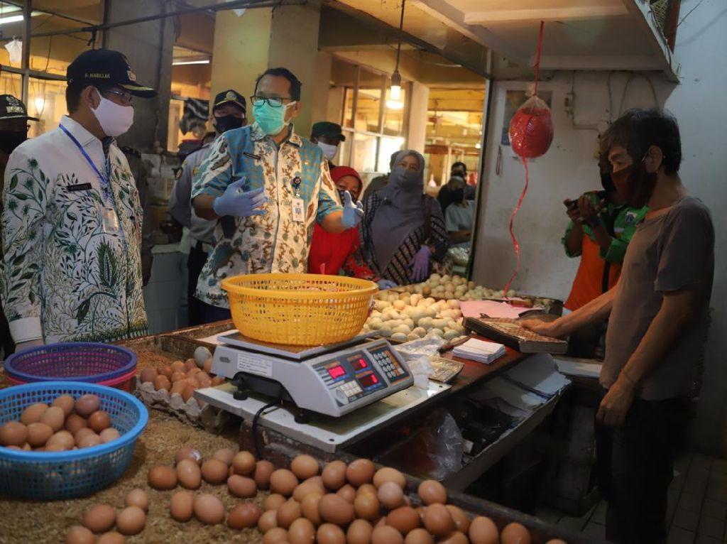 Cek Harga Jelang Lebaran, Wali Kota Jaksel Sidak ke Pasar Tradisional
