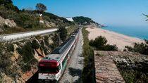 Tren Wisata Baru ke Pantai: Reservasi Dulu