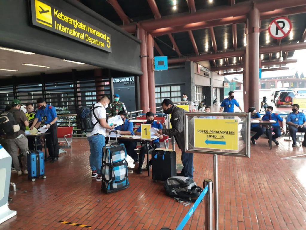 Mayoritas Penumpang di Bandara Soetta Pergi Dinas, Sisanya?