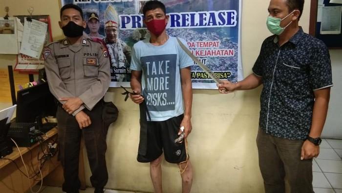 Seorang adik bacok abang kandung di Sibolga serahkan diri ke polisi