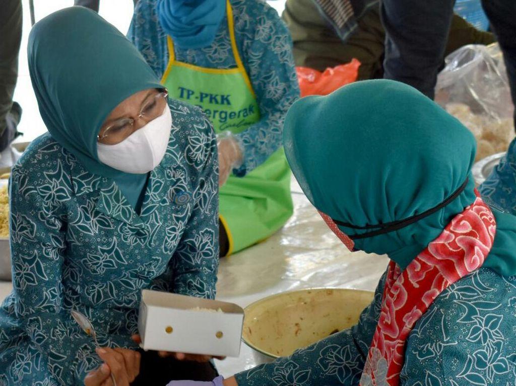 PKK Jabar Bangun 2.800 Dapur Umum untuk Warga Terdampak Corona
