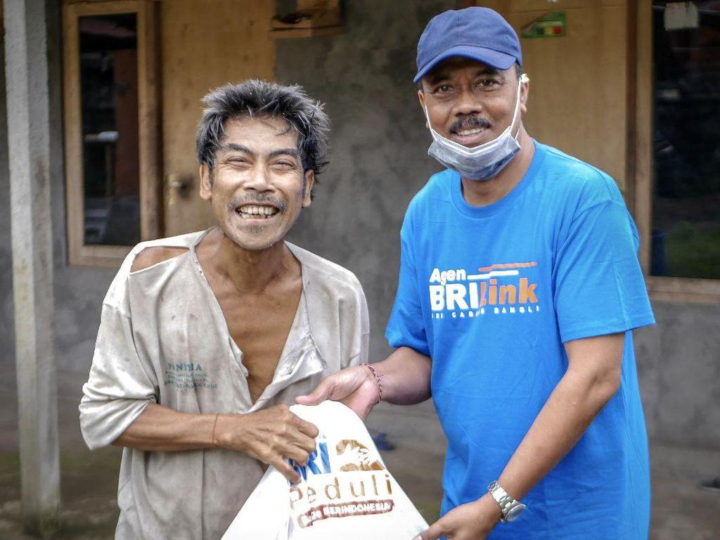 Salurkan Bantuan Hingga Pelosok Desa Lewat Agen BRILink