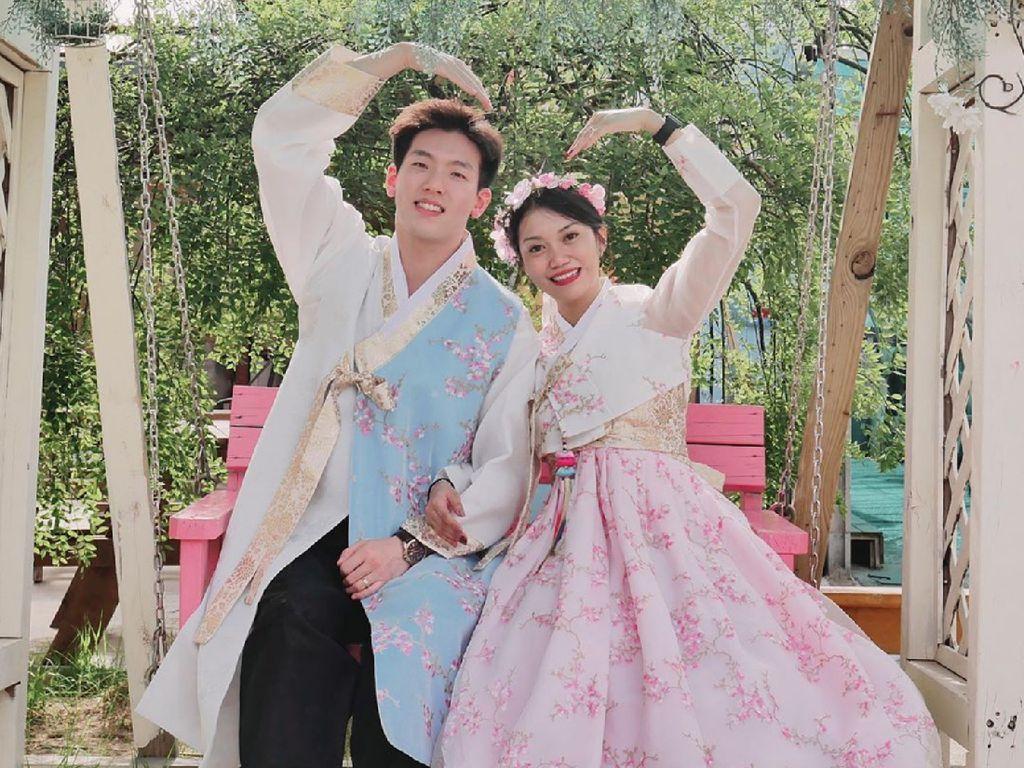 10 Foto Bahagia Wanita Bekasi hingga Banjarmasin yang Dinikahi Pria Korea