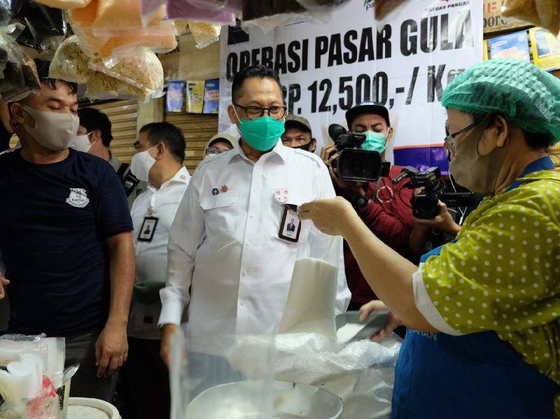 Asyik! Ada Gula Dijual Rp 12.500/Kg di Pasar Jatinegara