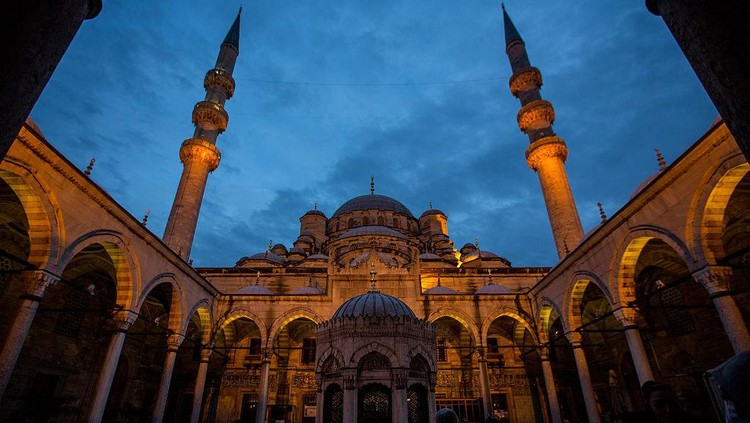 Deretan Masjid Biru di Berbagai Belahan Dunia