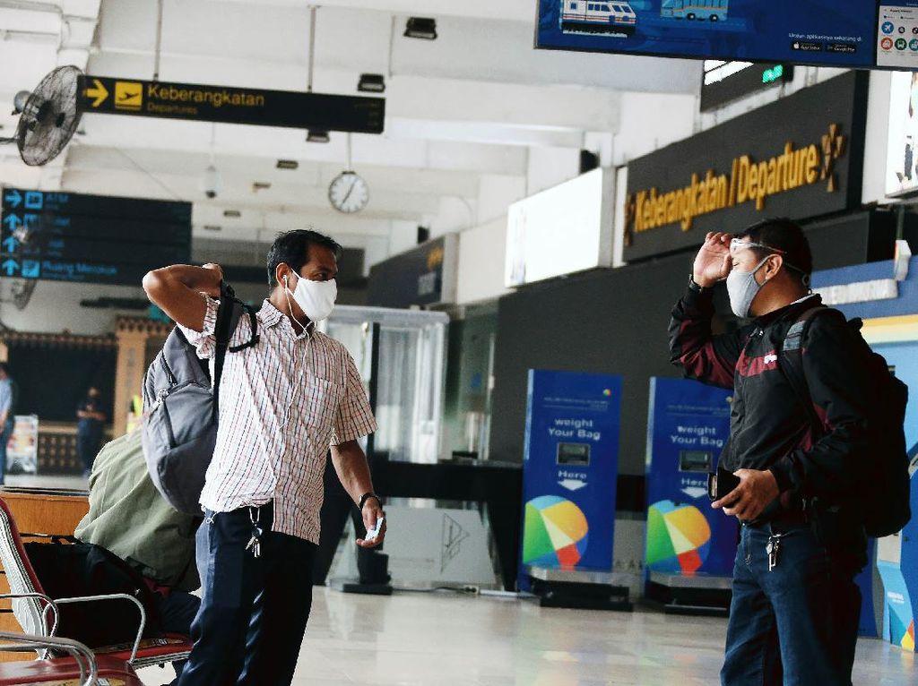 Jangan Coba-coba! Palsukan Surat Izin Keluar-Masuk Jakarta Diancam Penjara 12 Tahun