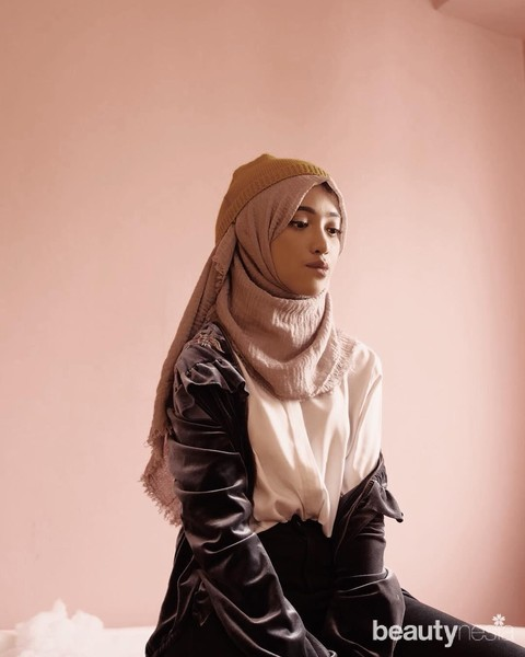 6 Style Hijab Remaja Khas Influencer Cantik Shirin Al Athrus