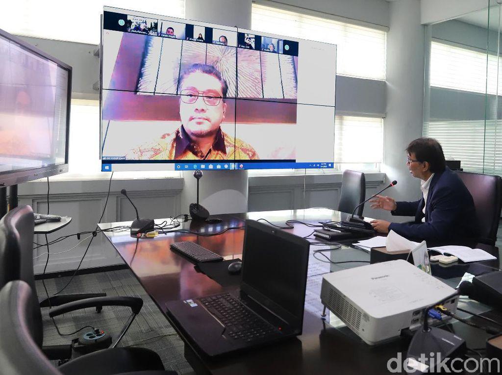 Cerita Mahasiswa Aceh Kuliah Online: Naik Menara Masjid Cari Internet