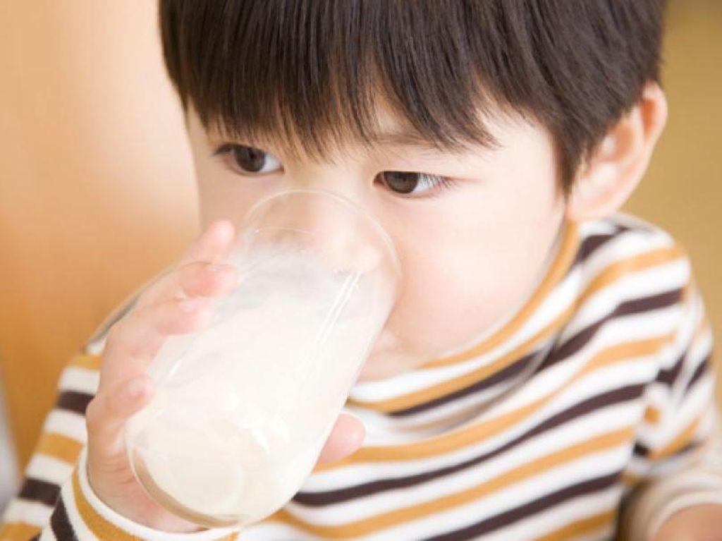 Susu Palsu dari Bubuk Suplemen Akibatkan Kepala Anak-anak Membesar