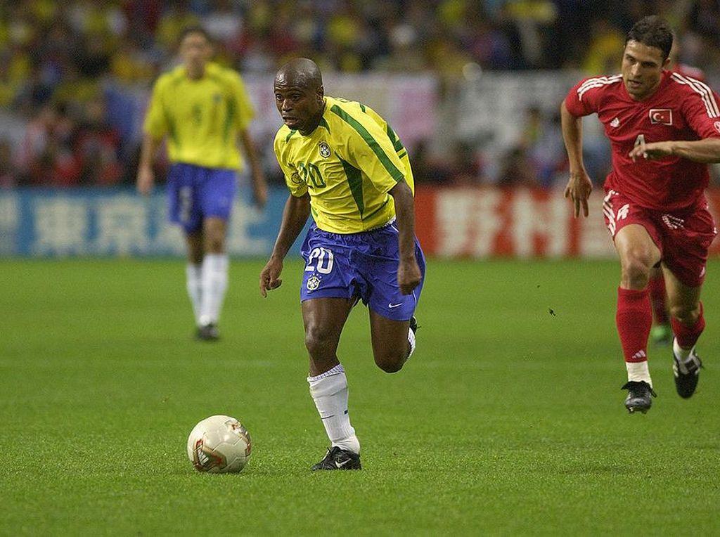Eks Penyerang Brasil: Saya Lebih Baik daripada Ronaldo dan Messi