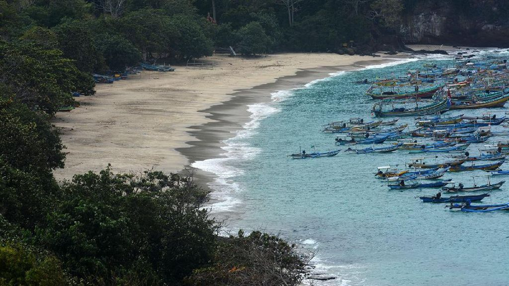 Pantai Papuma Jember Tutup untuk Cegah Corona