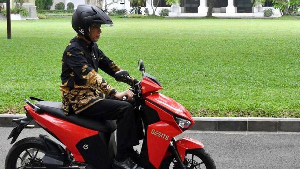 Motor Listrik Gesits Jokowi Dilelang untuk Seniman Terdampak Corona
