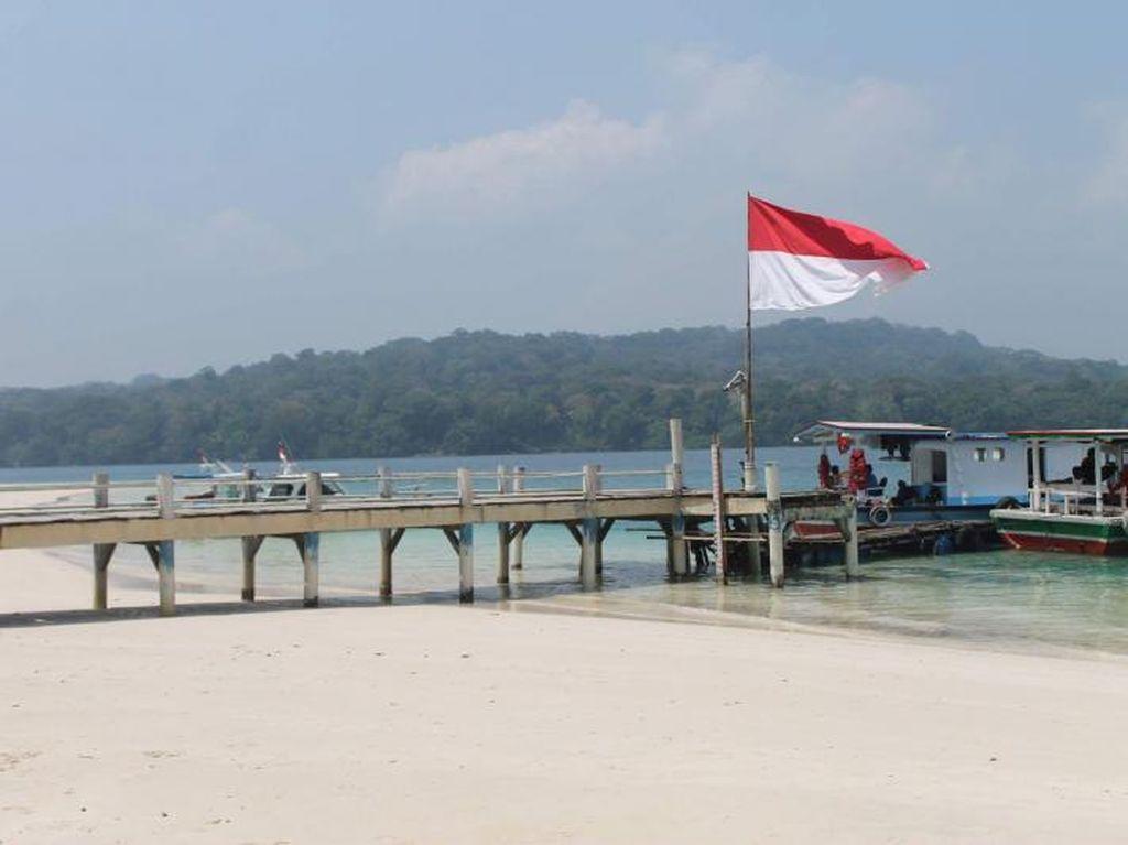 Cantiknya Pulau Peucang di Taman Nasional Ujung Kulon