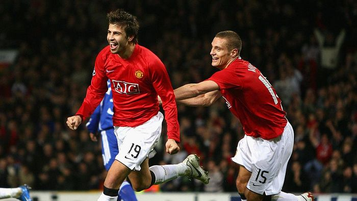 MANCHESTER, UNITED KINGDOM - NOVEMBER 07:  Gerard Pique of Manchester United celebrates scoring the opening goal with team mate Nemanja Vidic (R) during the UEFA Champions League Group F match between Manchester United and Dynamo Kyiv at Old Trafford on November 7, 2007 in Manchester, England.  (Photo by Alex Livesey/Getty Images)