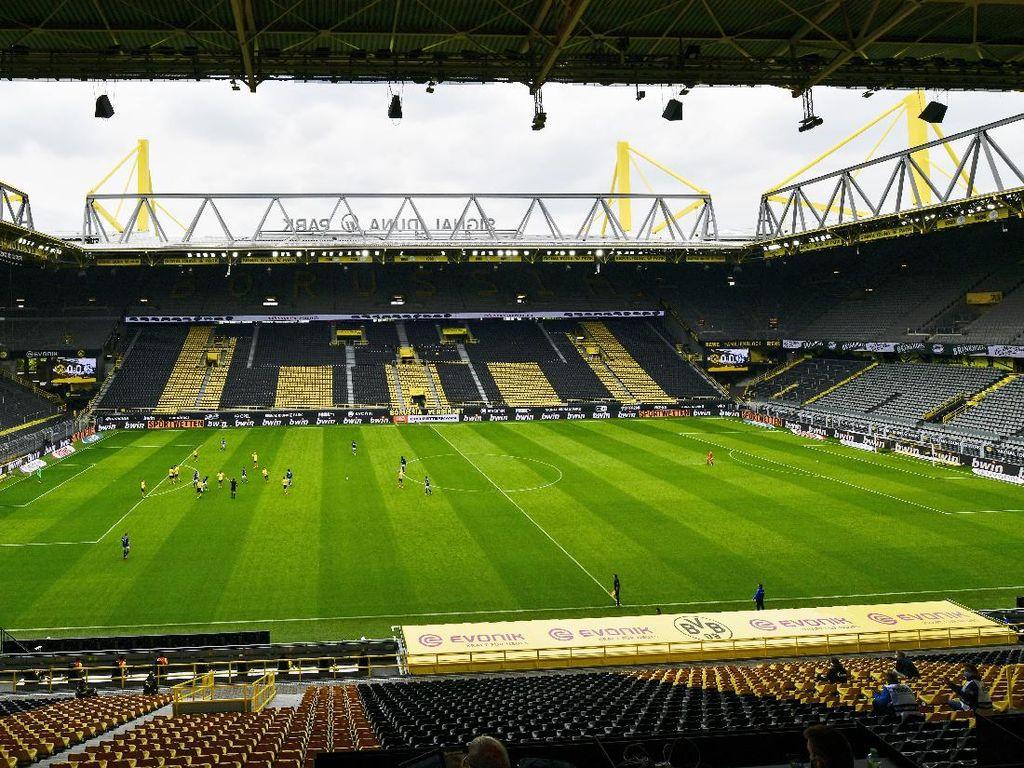Ketika Dortmund Rayakan Kemenangan ke Arah Tribune Kosong