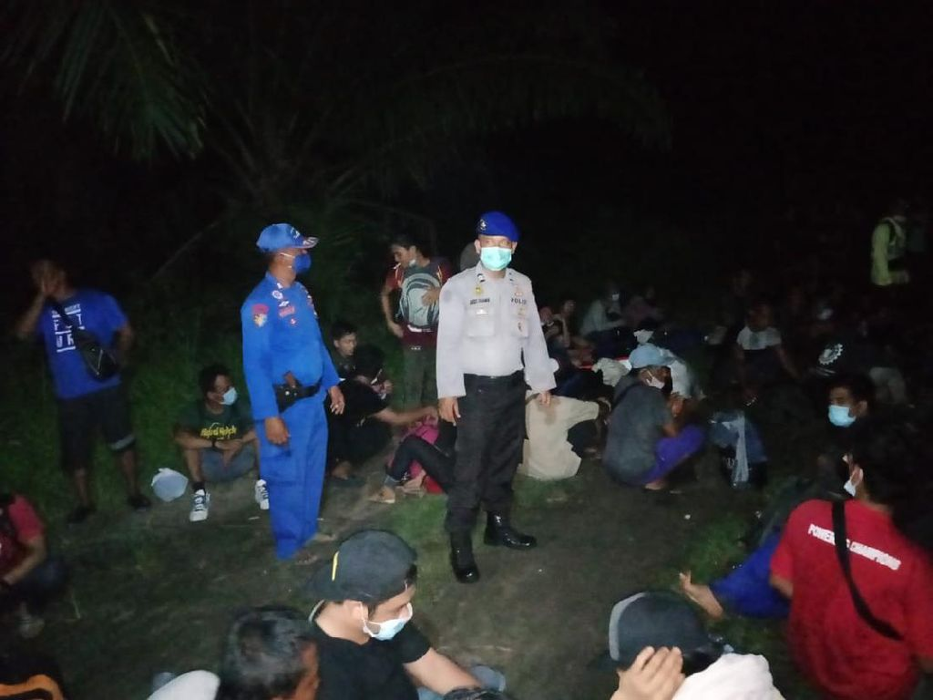 Patroli Cegah Corona, Polisi Amankan 80 TKI Ilegal di Asahan Sumut