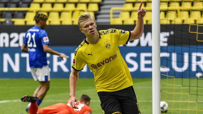 Big Match Revierderby antara Borussia Dortmund melawan Schalke 04 menjadi pembuka Bundesliga usai ditangguhkan selama dua bulan.