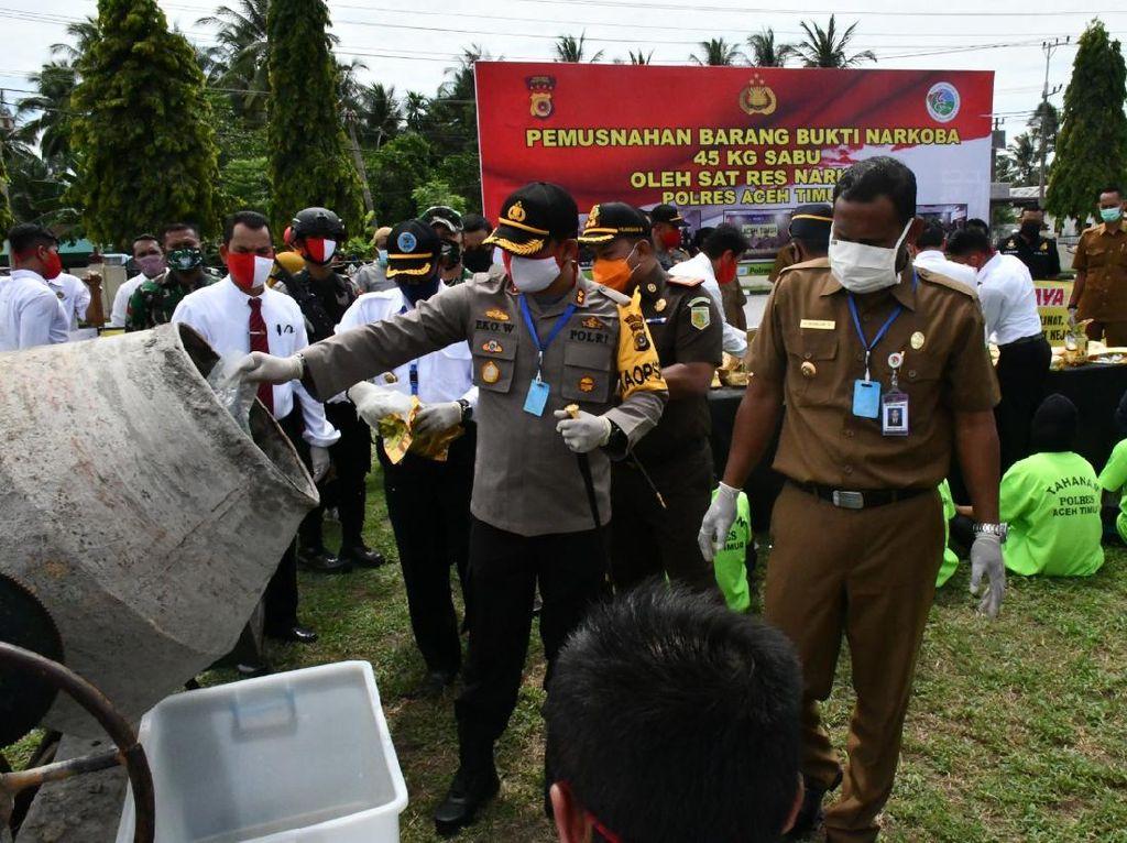 Polisi Musnahkan 45 Kg Sabu yang Disita dari Nelayan di Aceh Timur
