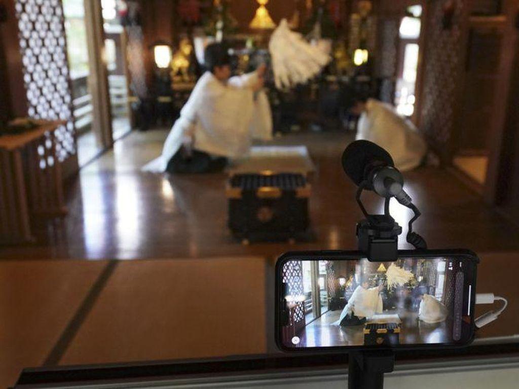 Potret Ritual Penyucian Roh Jahat Virtual
