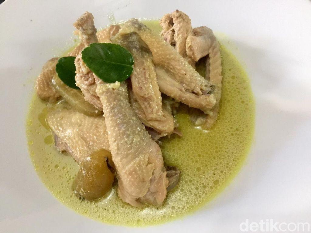 Resep Opor Ayam Lebaran Spesial yang Gurih Enak