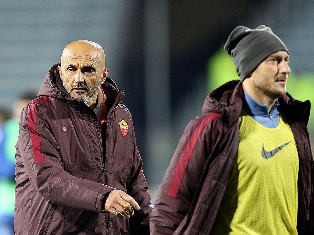 Manis dan Benci Hubungan Spalletti dan Totti