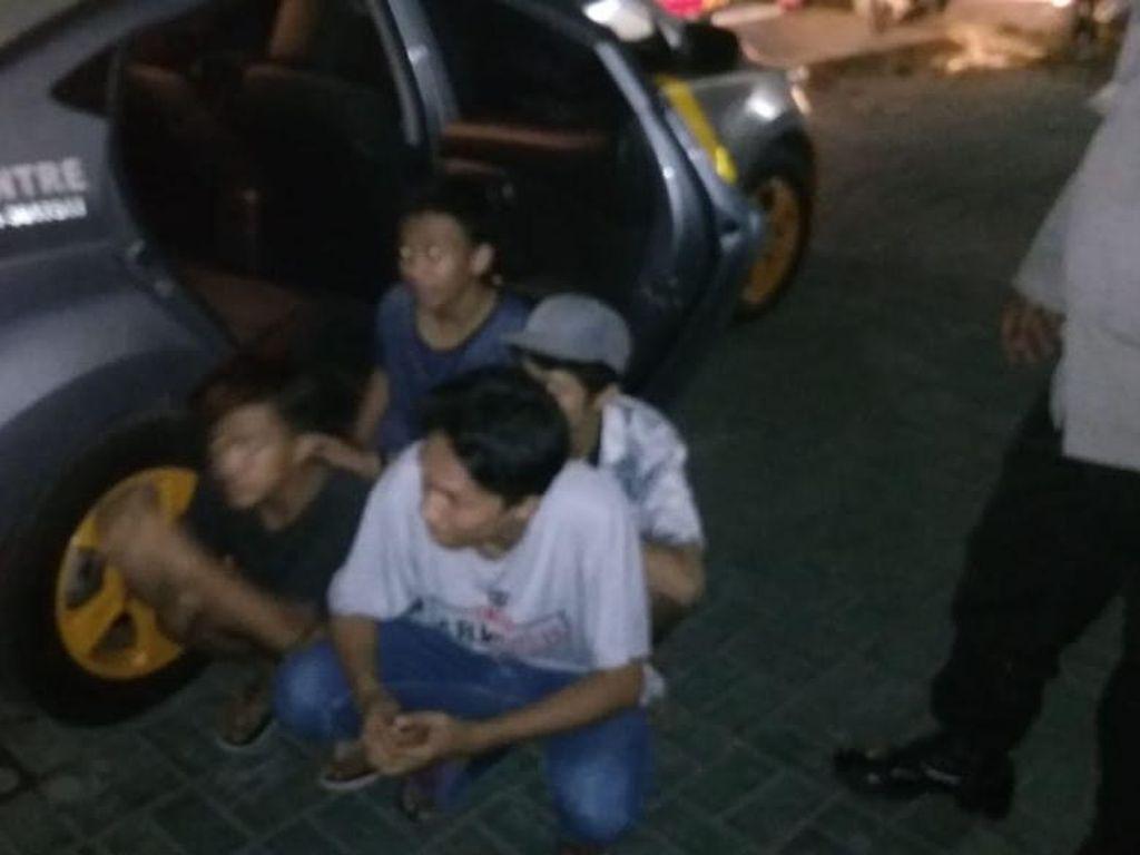 Kelompok Remaja di Makassar Tawuran dan Rusak Mobil Warga, 4 Orang Diamankan